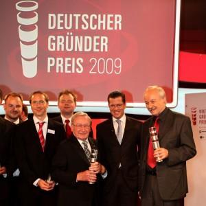 Prof. Faltin nimmt den deutschen Gründerpreis 2009 entgegen